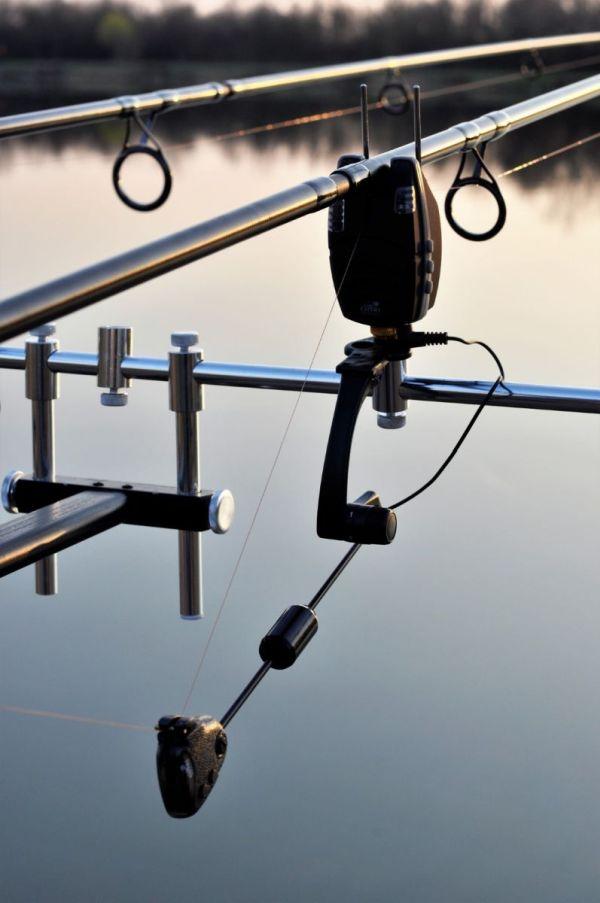 Carp Expert Adige és Pro Led: tökéletes összhang az elektromos jelző és a swinger között.