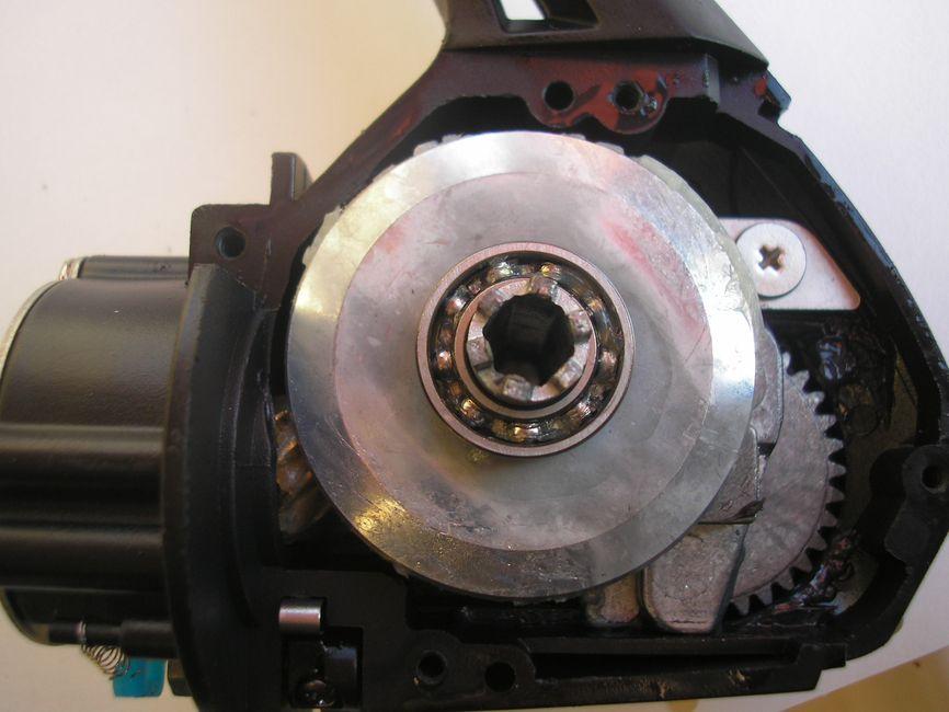 40,5 mm átmérőjű tányérkerék adja le a forgatónyomatékot a rotornak…