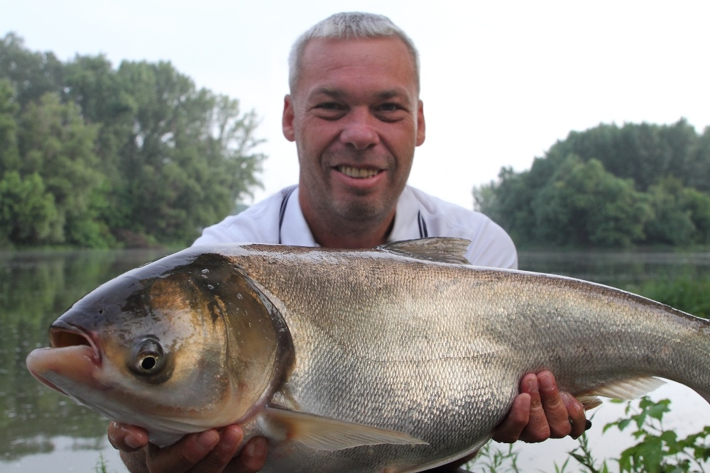 Tassi bosák-Busa horgászata